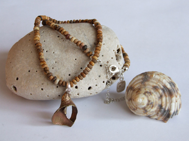 21  Curve shell necklace with picture jasper.jpg