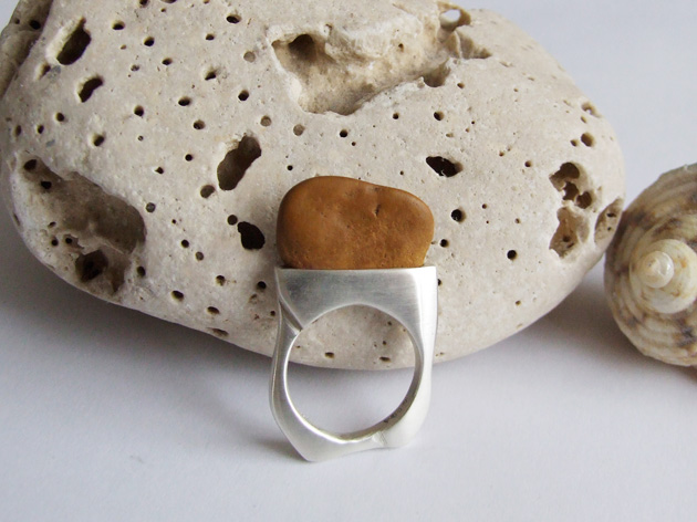 76 Pebble ring no.53.jpg