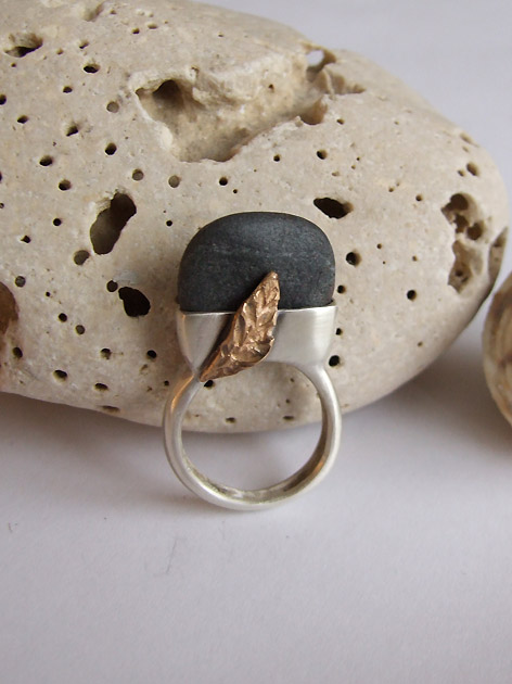 87 Pebble & leaf ring no.54.jpg