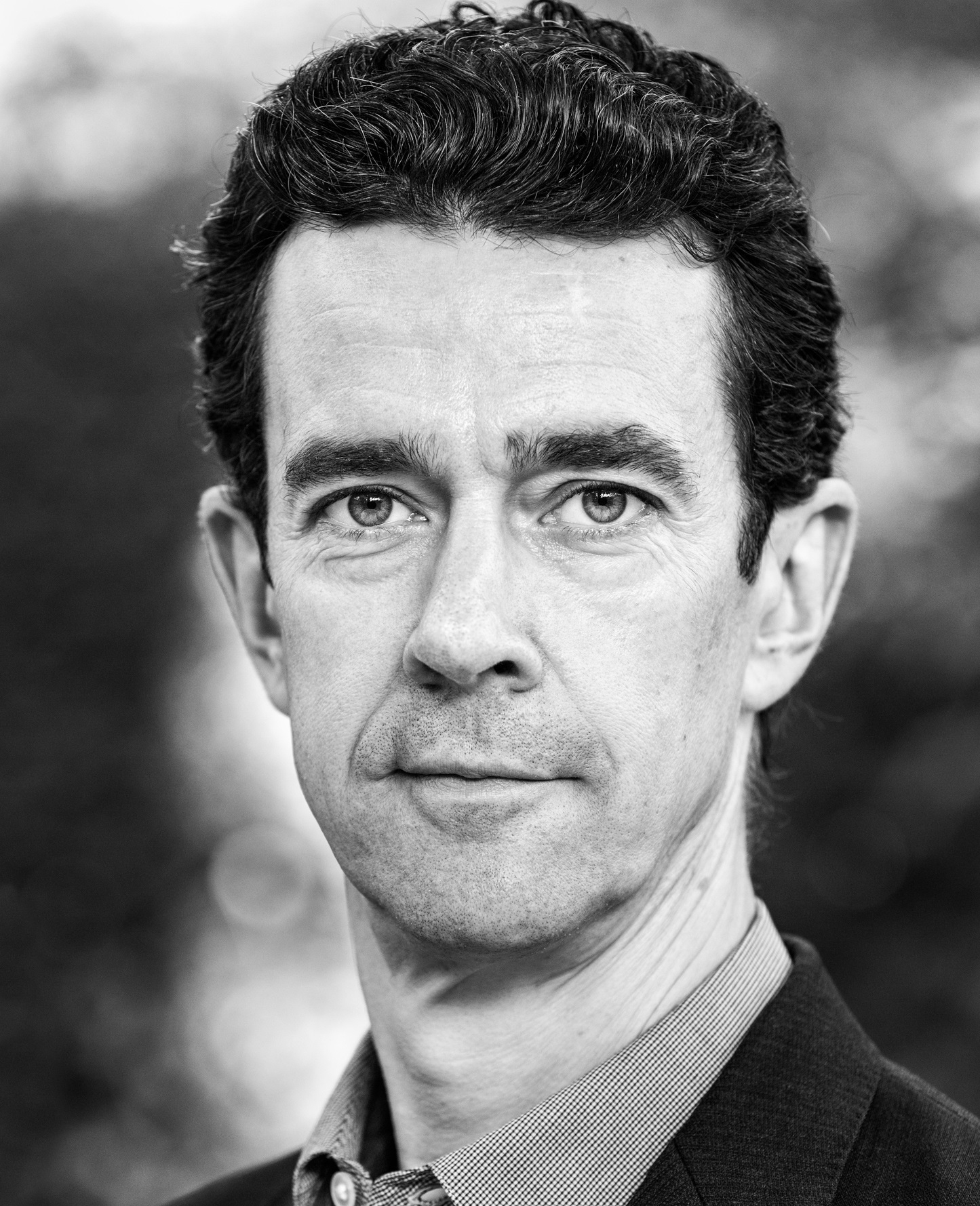 Alex Harland - Max FeltzerAlex began acting at the Maddermarket Theatre in Norwich. He then trained at Cambridge University and Drama Studio,London.On stage, he has appeared in Blood Brothers, Never Mind the Botox and Enduring Song. He can also be seen in the upcoming movie, Sky Sharks.