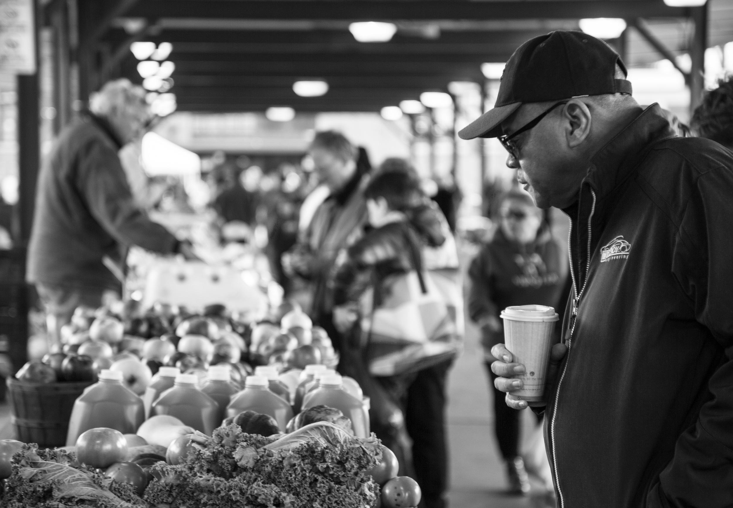 Stevie Soul PPL Watching Eastern Market-10.jpg