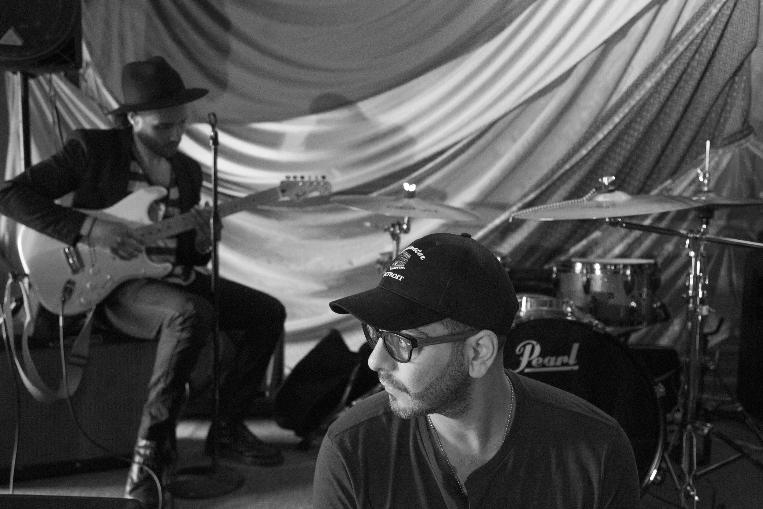 Stevie Soul Omar Aragones Detroit Showcase BW.jpg