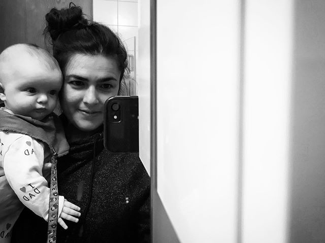 Waiting for our New York gang to arrive in Iceland 💜  #newyork #gang #coming #roadtrip #iceland #super #excited #mirror #selfie #blackandwhite #bw #cool #cat #baby #tuesday #kiss