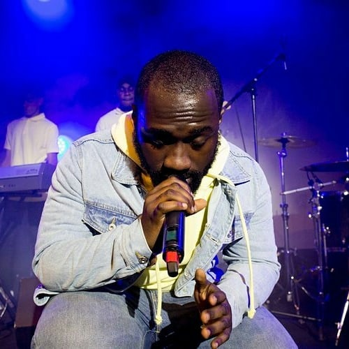 Review | A night of passionate performance with @fredfredas featuring @dee_ajayi & @keys_theprince at @roundhouseldn | Words by @hannaholarewaju : Head to www.mungzmedia.com for the full review #roundhouse #music #event #musicians #live #review #musicreview #artist
