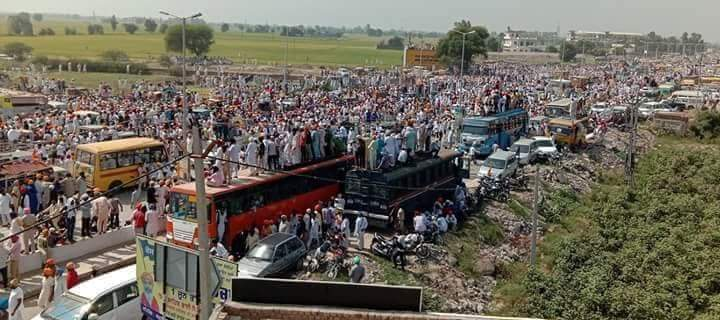 Highways across Punjab were blocked for miles on October 7, as Sikhs mobilized in support of the ongoing Bargadi morcha.