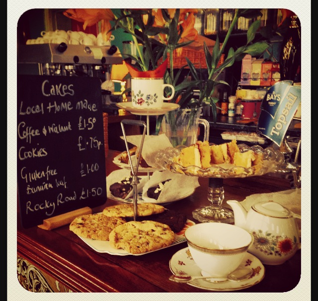 Tasty organic tea and cakes!