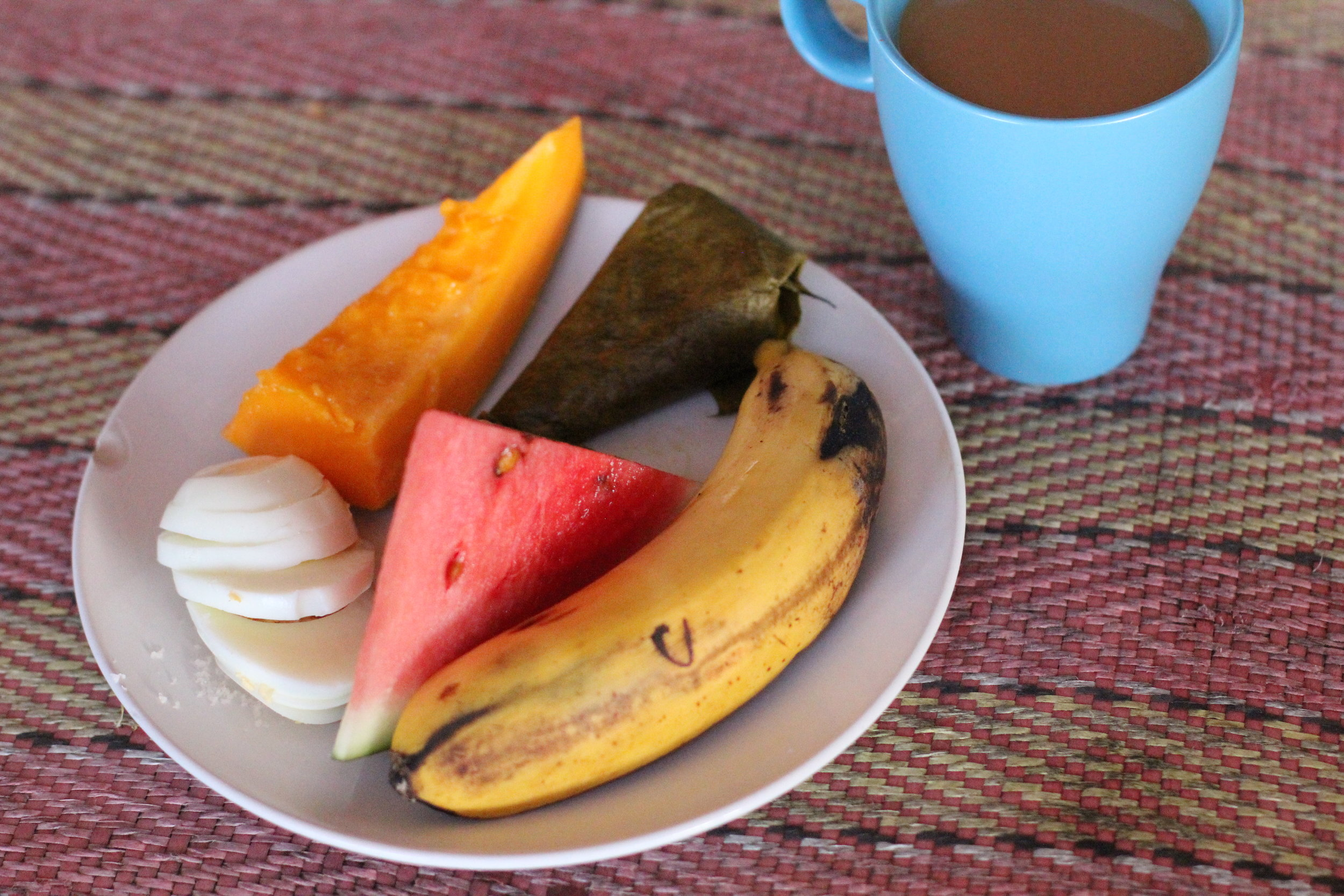 Breakfast: Fresh Fruit, Suman (Rice cooked in coconut milk and wrapped in a banana leaf, boiled egg (OPtional), coffee or hot chocolate