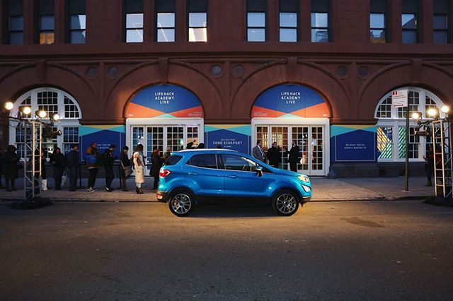 A few shots from the Ford Ecosport #lifehackacademylive that happened Thursday night! We spent some late nights designing this one. Big thanks to @max_macclennen and the @pinksparrow_  crew for making it happen.  Photo credit: @gettyimages #ford #fordecosport #lifehackacademylive #lifehackacademy #ecosport  #marketing #design #eventdesign #lighting #creative