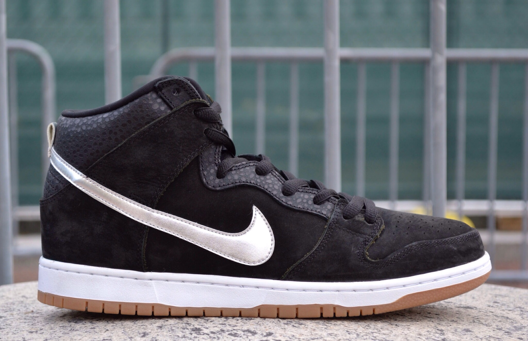 The Nike SB Nigel Sylvester S.O.M.P.(Standing on my pedals) released at a few select Nike SB retailers back on March 8th, 2014.