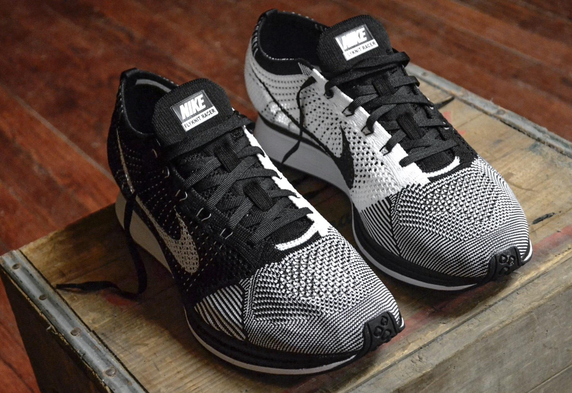 An almost identical version of the Flyknit Racer released last year, this year Nike brings the same Flyknit Racer back, this time around they feature a Black tongue.