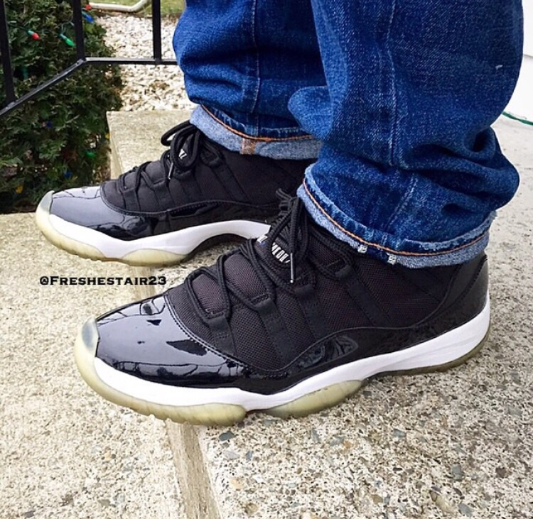 """An on foot look at the 2009 version of the Air Jordan 11 """"Space Jam""""."""
