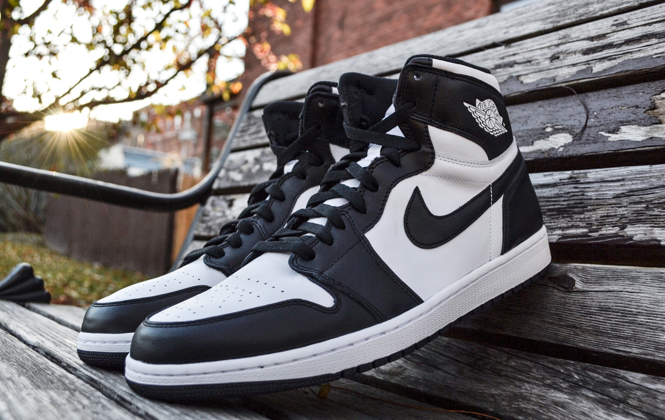 The Air Jordan 1 OG High Black/White release back in November true to original form with Nike Air Branding on the tongue.