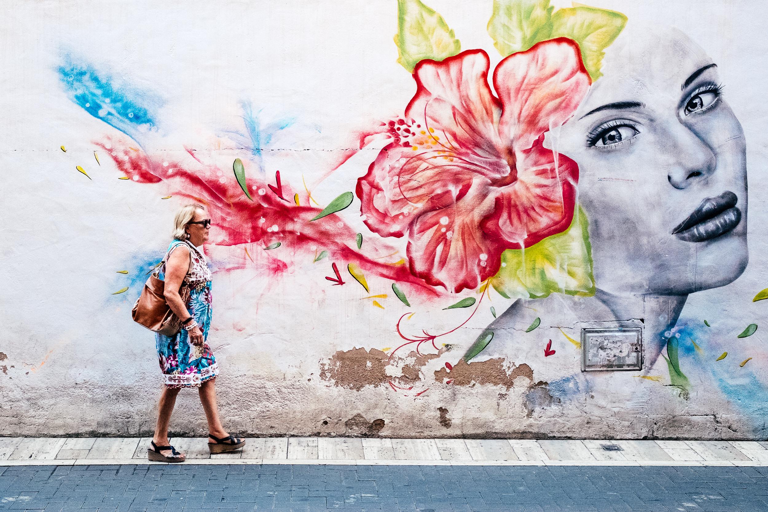 Colourful women, Murcia