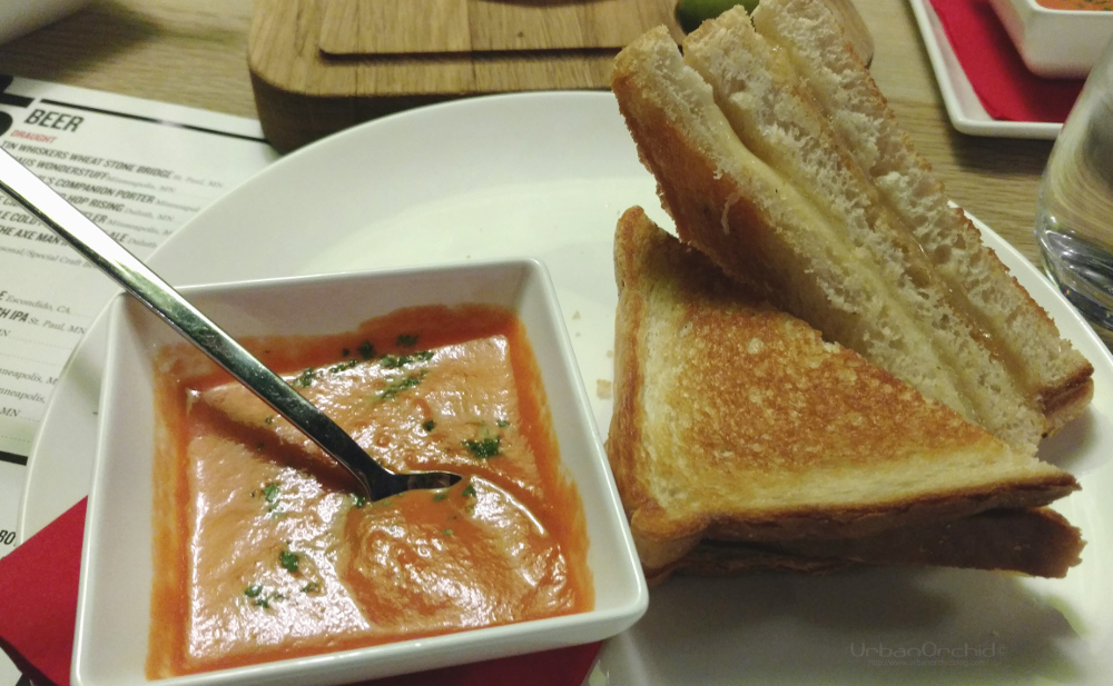 Grilled Cheese at Radisson RED's OUIbar & KTCHN