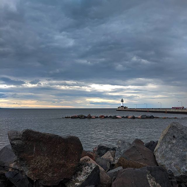 The thing I miss the most about #Duluth is #LakeSuperior 🌊🌊 . . . . #authenticduluth #visitduluth @visit_duluth #duluthmn #exploreminnesota #onlyinMN #captureMN #captureDuluth #travelmore #citytocity #lakefront #moodygrams #summerstorm #lighthousesofinstagram #greatlakes