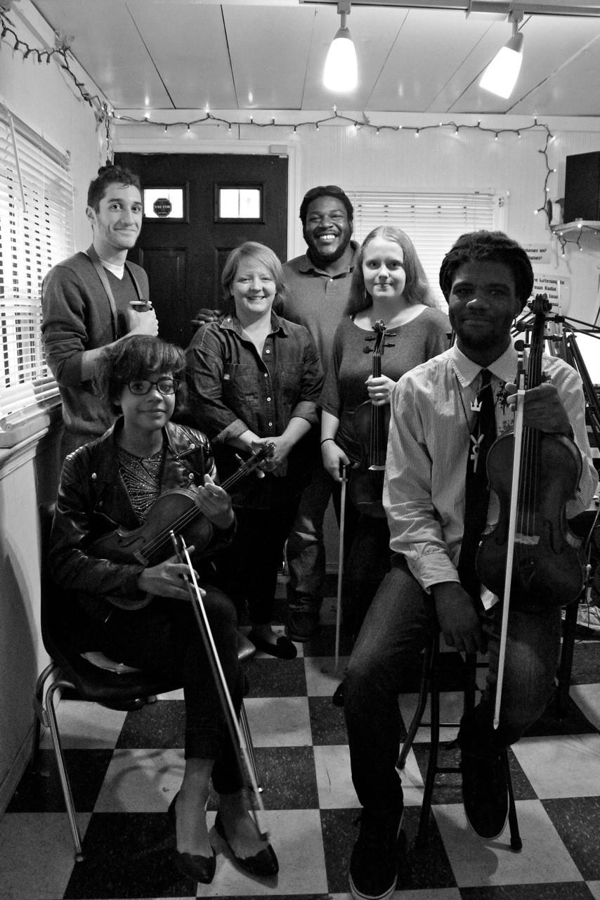 Primavera Artists performing on g-town radio