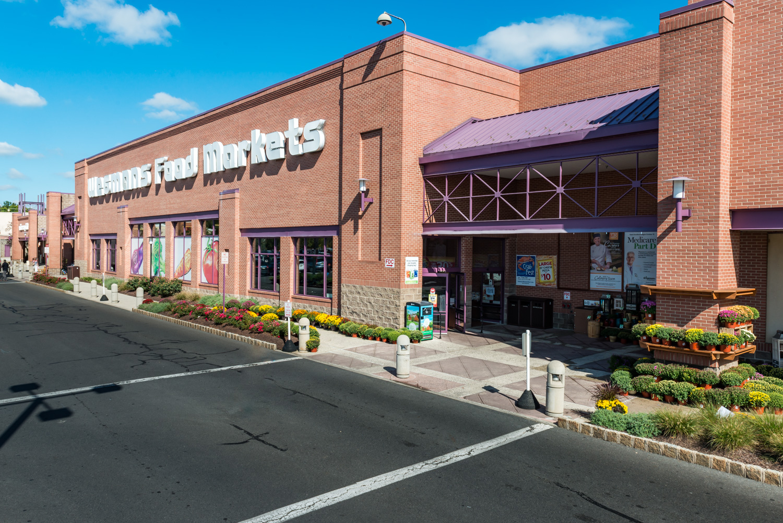 Shopping Centers, Retail & Supermarkets — March Associates