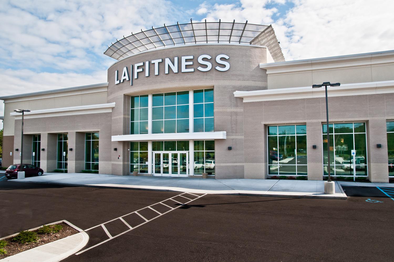 15-LAFitness - GatewayPlaza - PatchagueNY.jpg