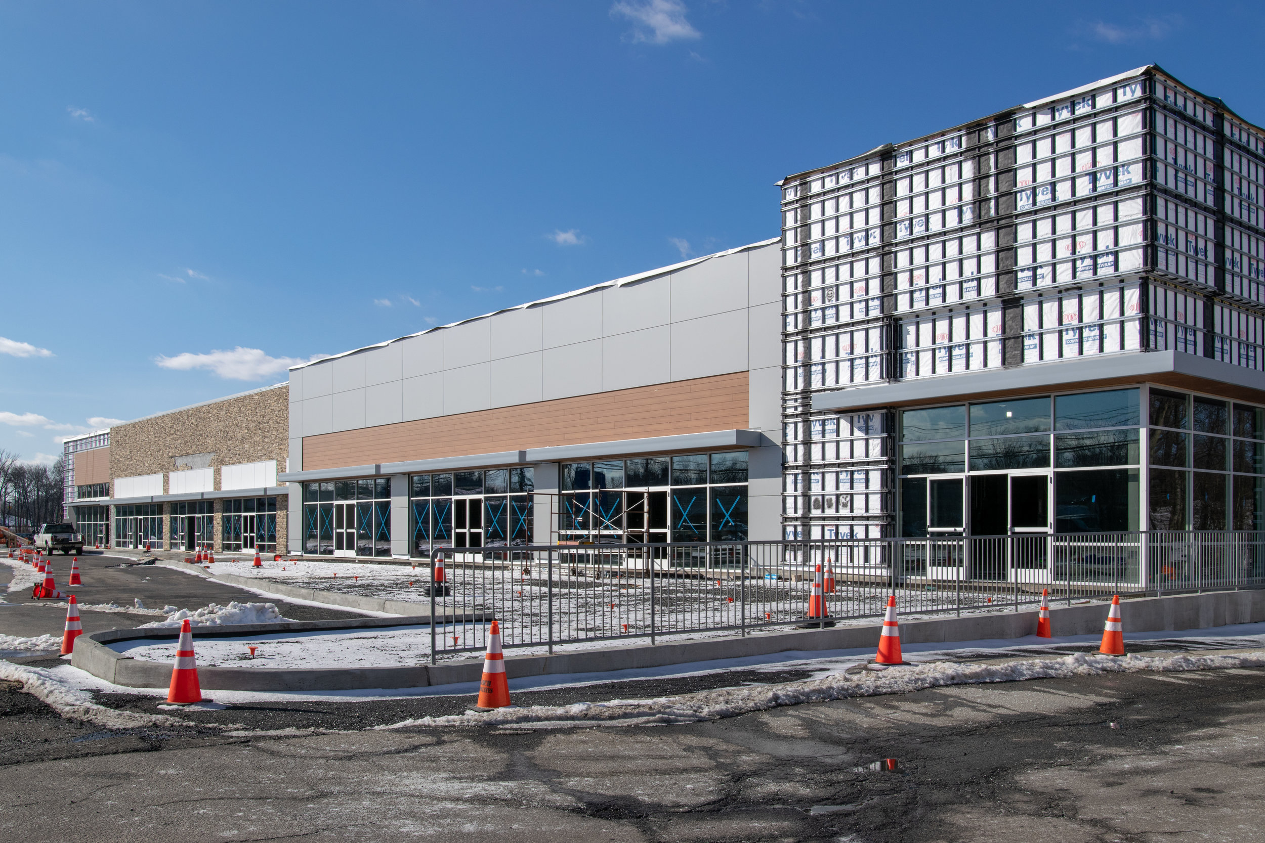 Paramus Retail Center_-41.jpg