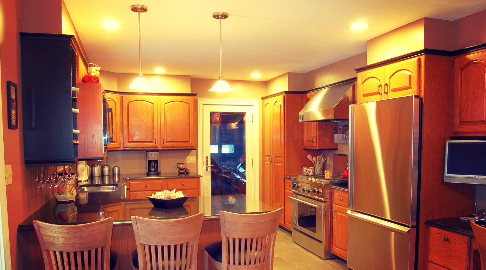 kitchen048 copy.jpg