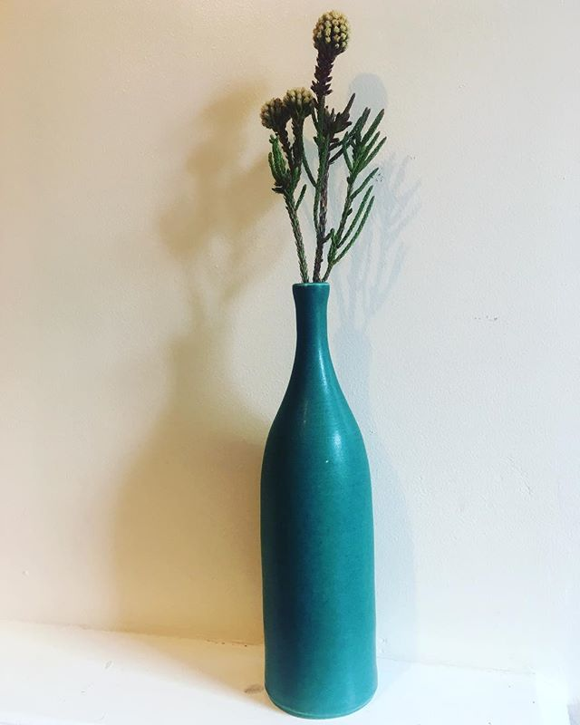 Over the moon 🌓 with my very own and very beautiful @lucyburleypots - the colour makes my eyes water. Thank you Lucy! ❤️ #lucyburley #lucyburleypots #ceramics #design #green