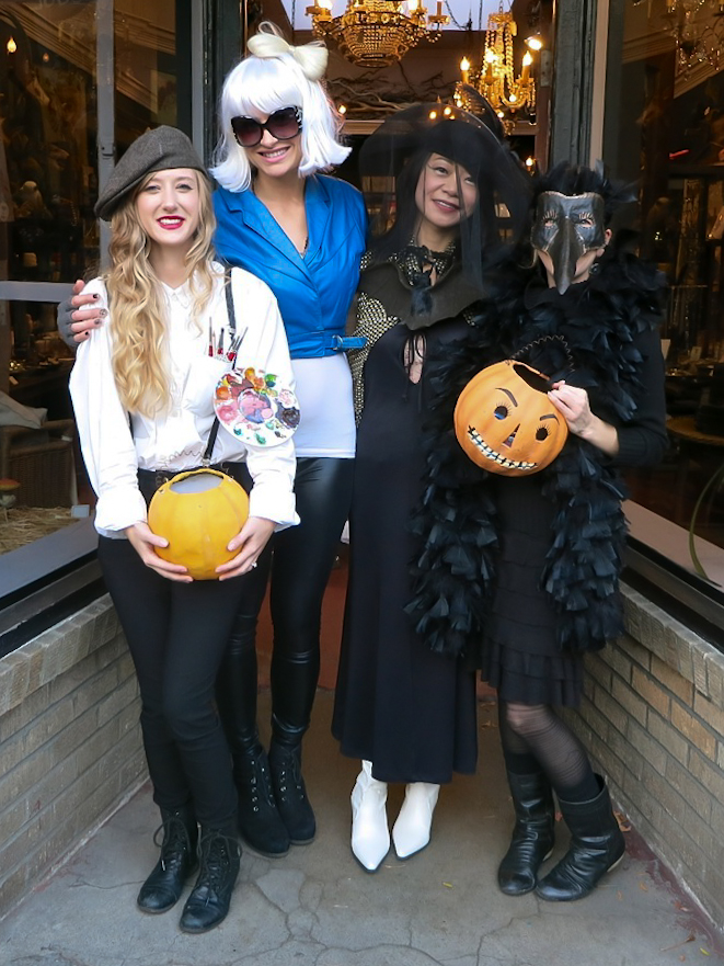 Lexy as a classic artist with Lady Gaga, a witch, and a raven last year!