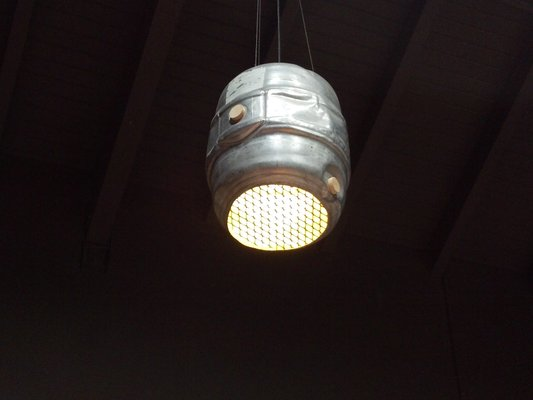 Keg Light at Maui Brewing Co. | Photo by Kevin P. | Keeper & Co. Blog