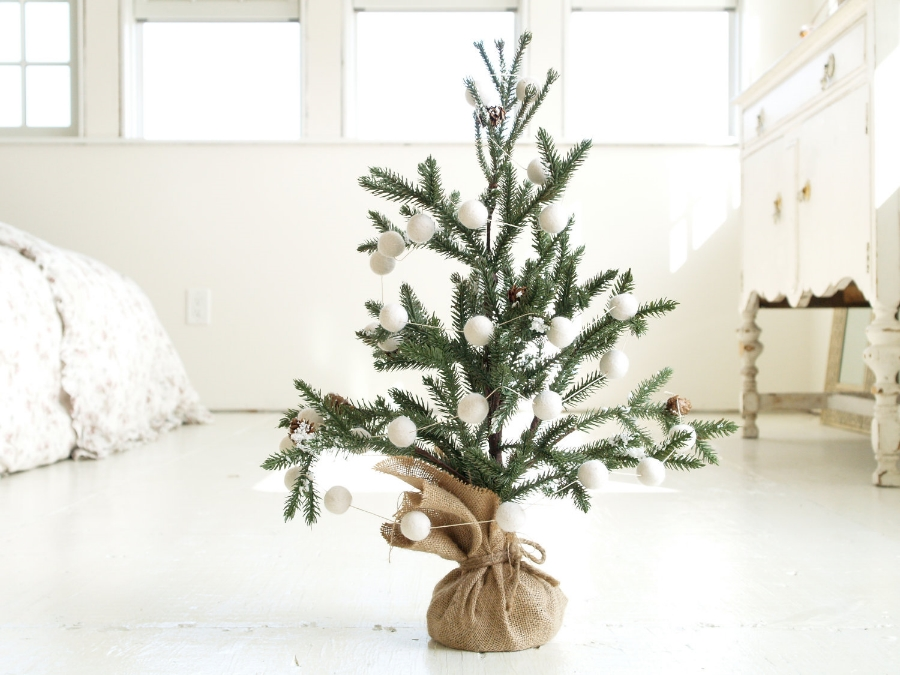 Felted Wool & Hemp Garland Made in California | Ideas for a Simple & Sustainable Christmas Tree | Keeper & Co. Blog