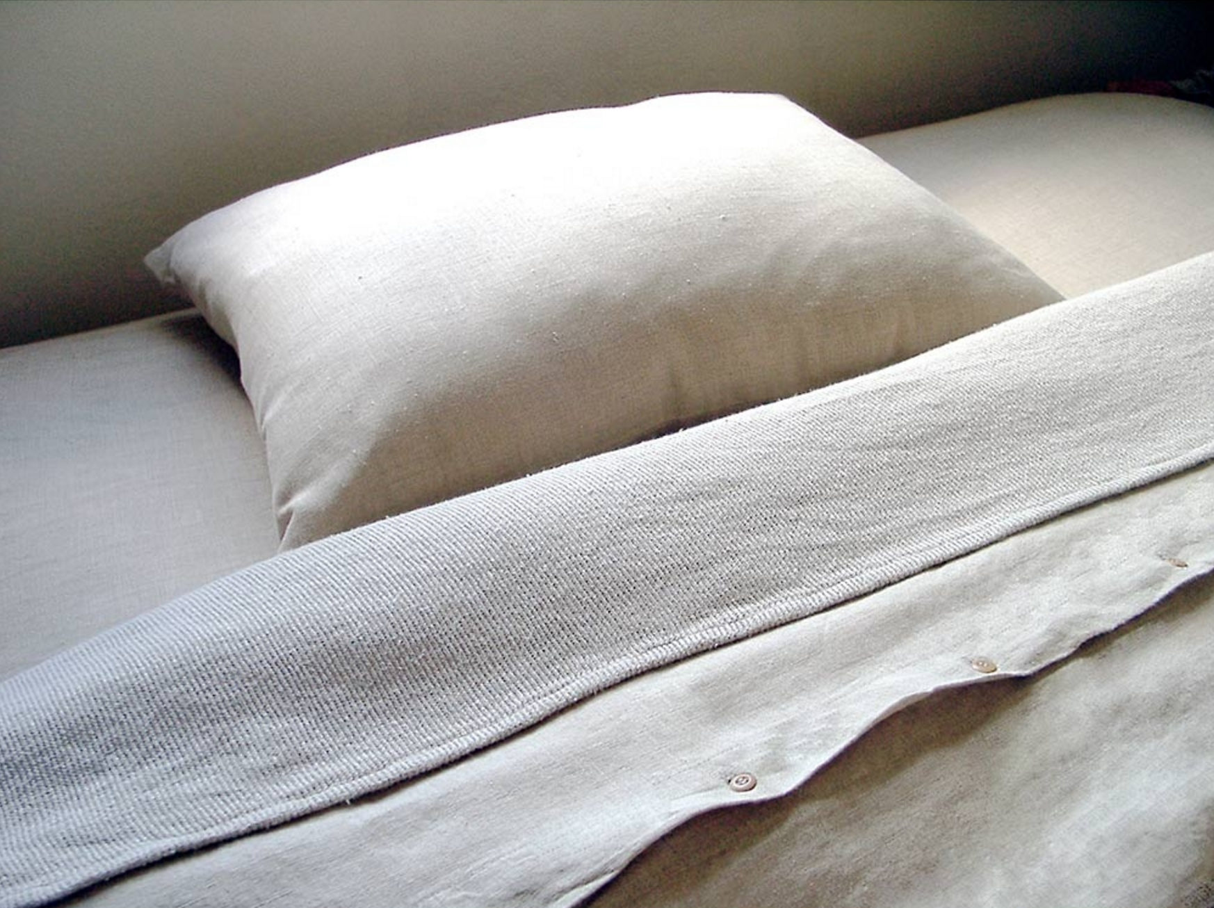 Organic Hemp Sheets by Rawganique   | 11 SIMPLE & SUSTAINABLE SHEET SETS
