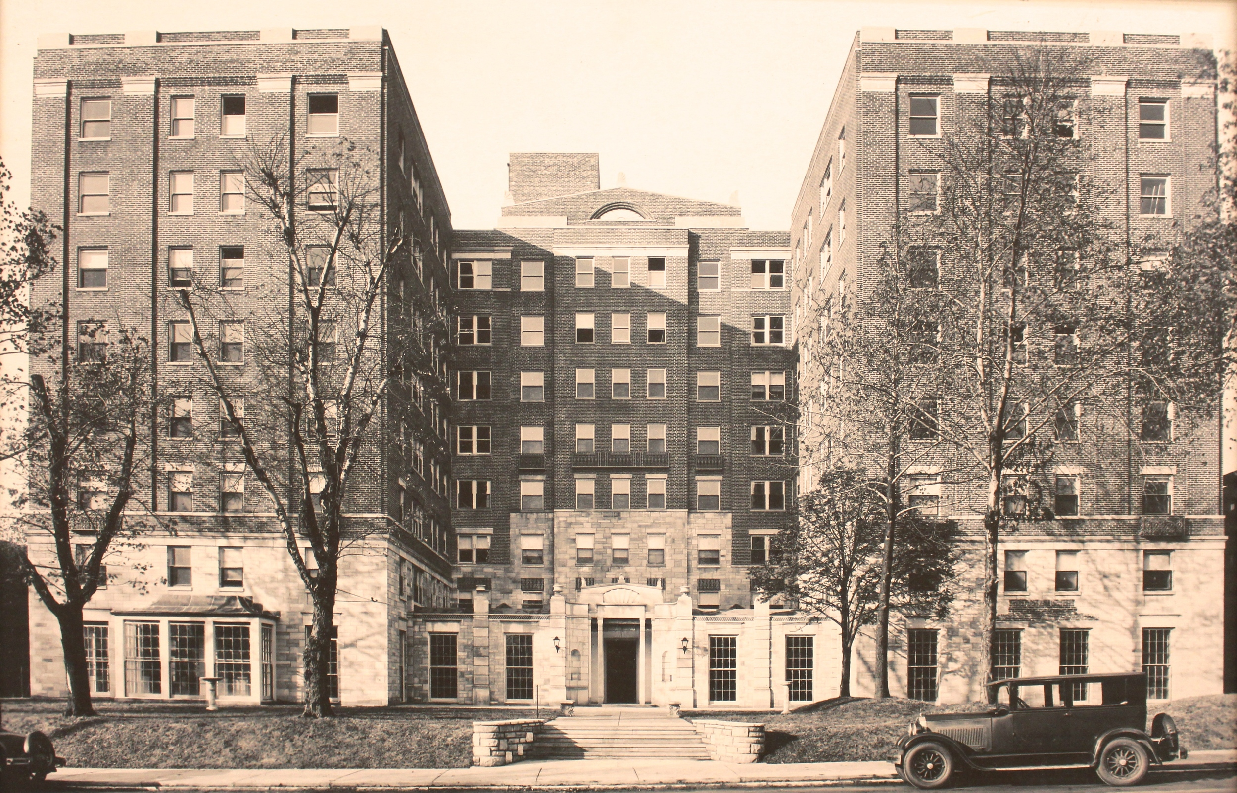 Winston Churchill Apartments