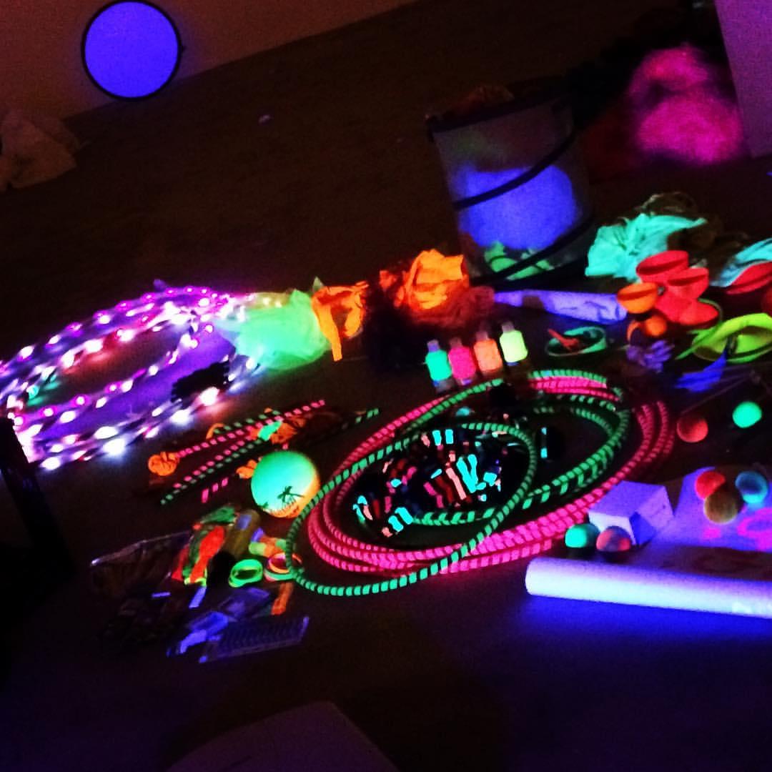 glow circus kit .jpg