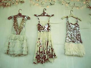 02B-New-Years-Eve-Wedding-Ideas-Glitter-Bridesmaid-Dress.jpg
