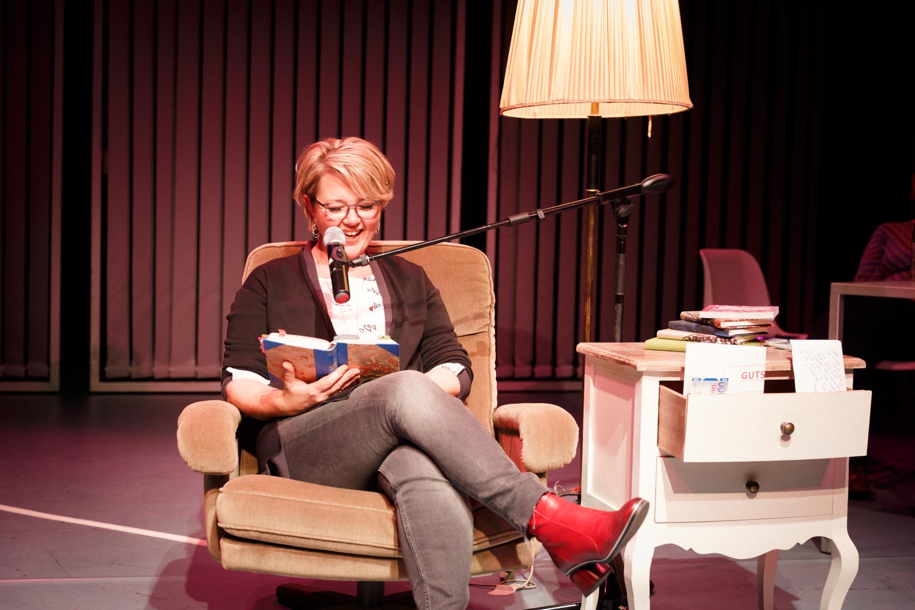 17-11-26 TAGebuch Slam Buchpräsentation_©anna konrath_20.jpg
