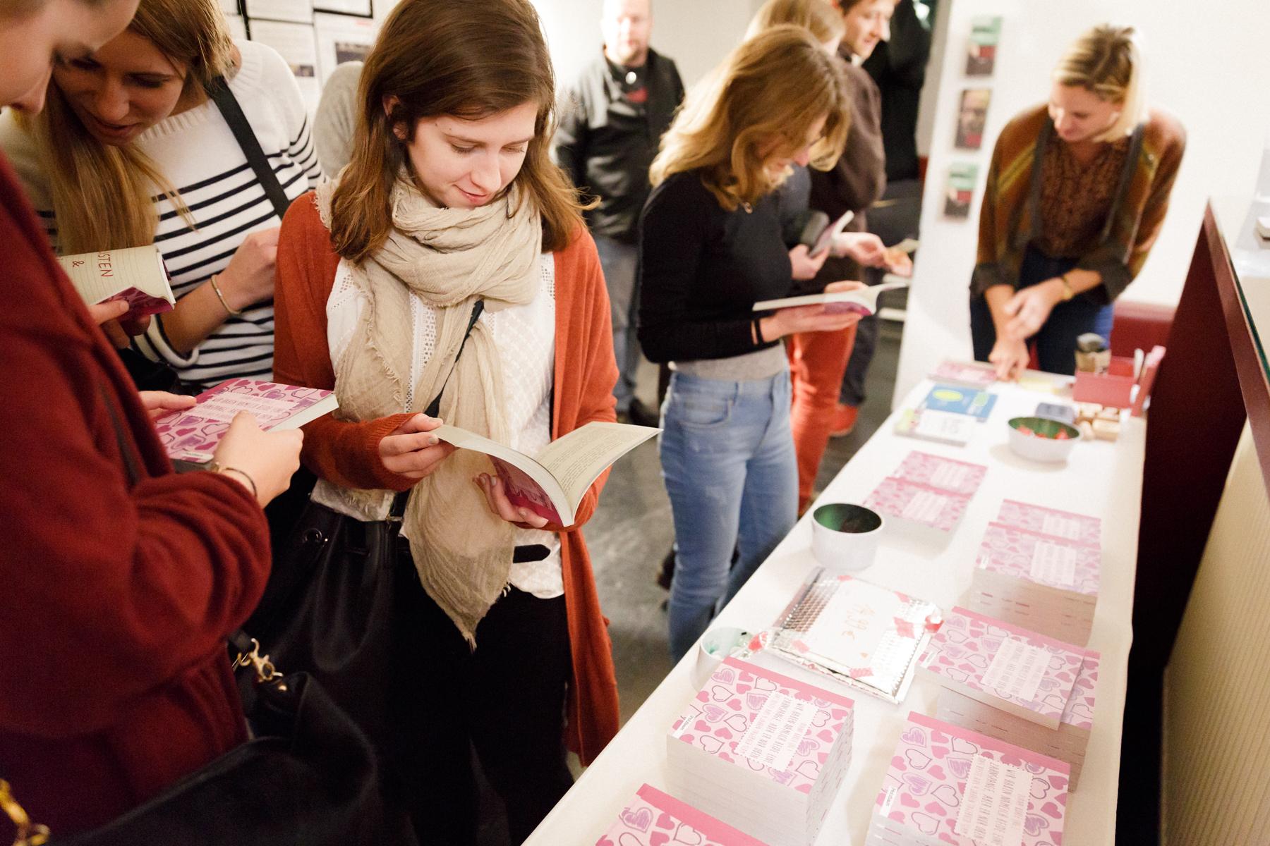 17-11-26 TAGebuch Slam Buchpräsentation_©anna konrath_31.jpg