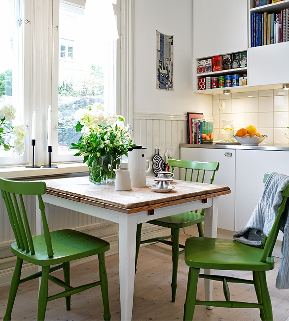 small-kitchen-dining.jpg