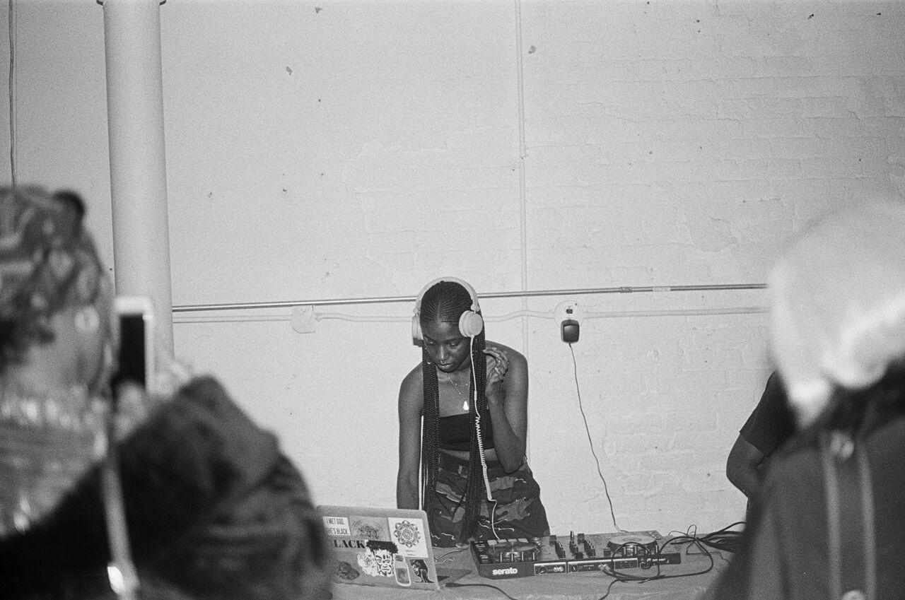 Image of Aliyah DJ'ing, image by Jerome Ellis