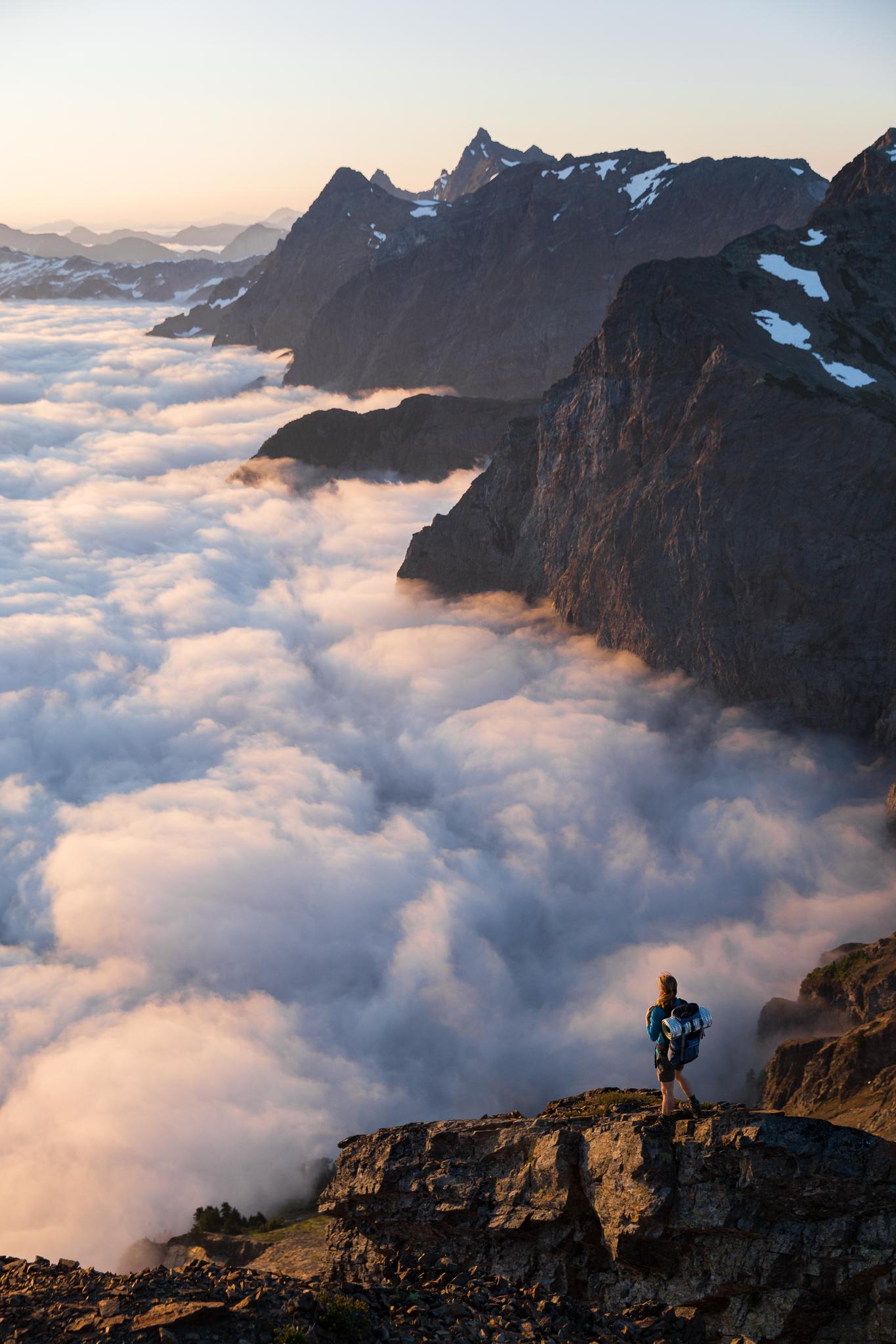 TaylorBurk_MountCheam_Fog+Hiker.jpg