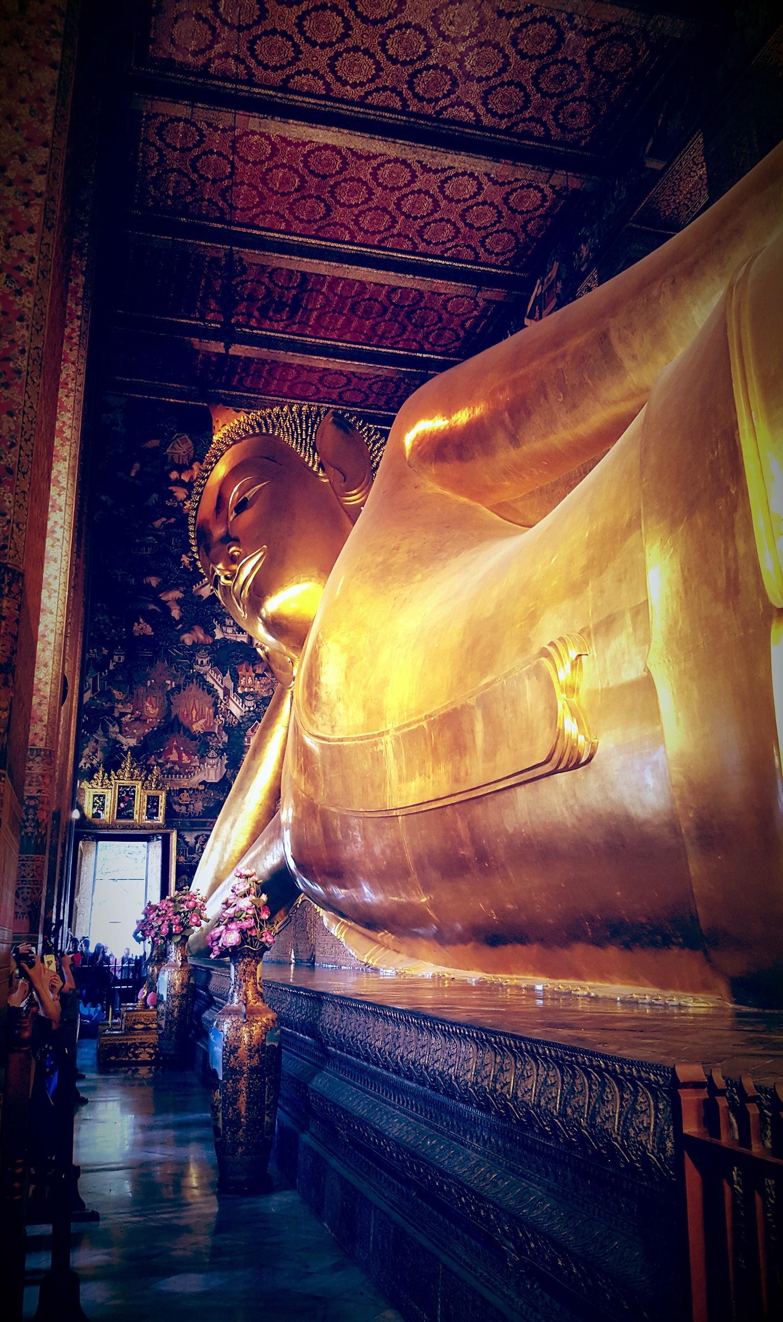 the chapel of the reclining Buddha, Wat Pho, Bangkok