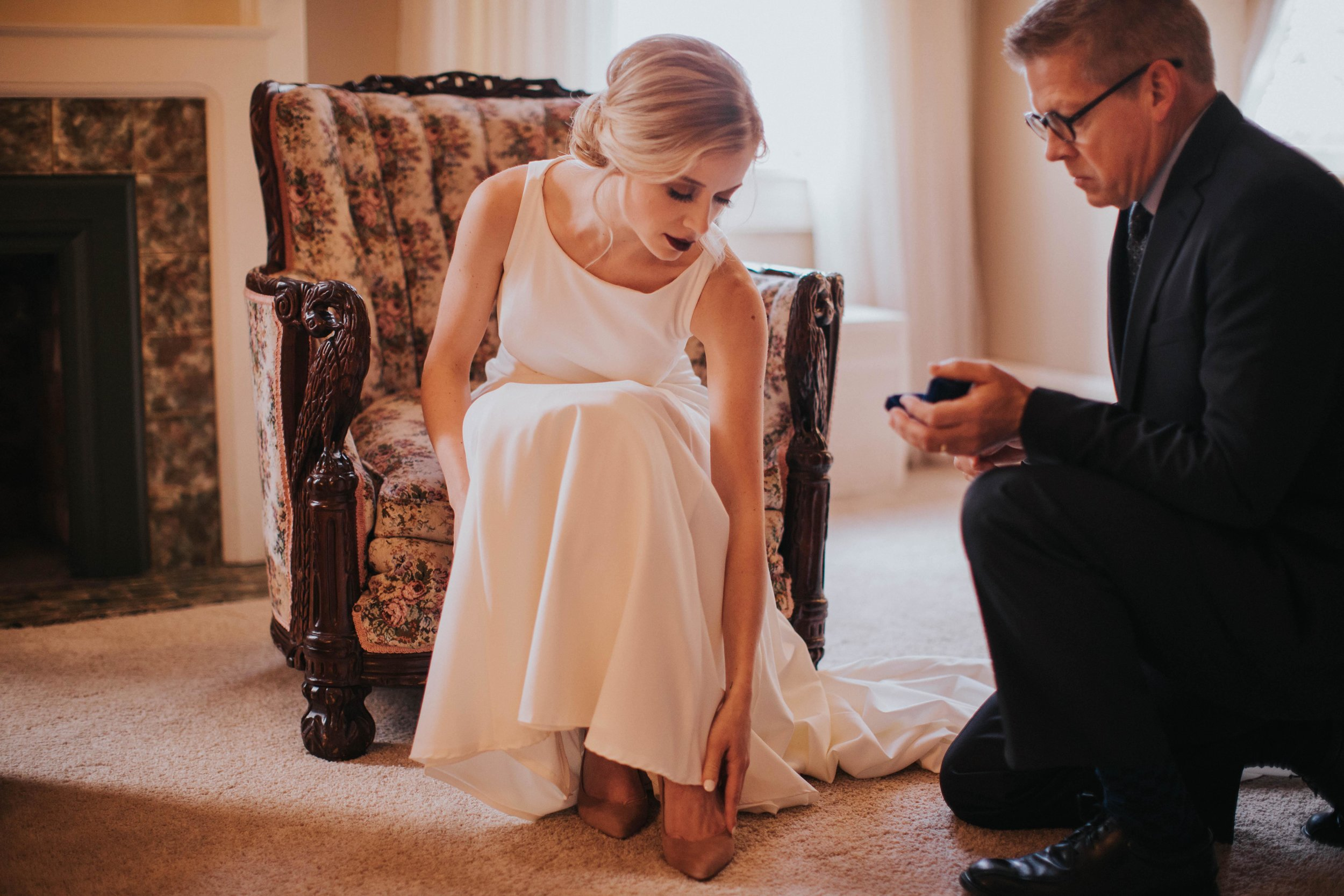 Charis_Lauren_Romantic_Wedding_Photographer_Nashville_03A1359.jpg