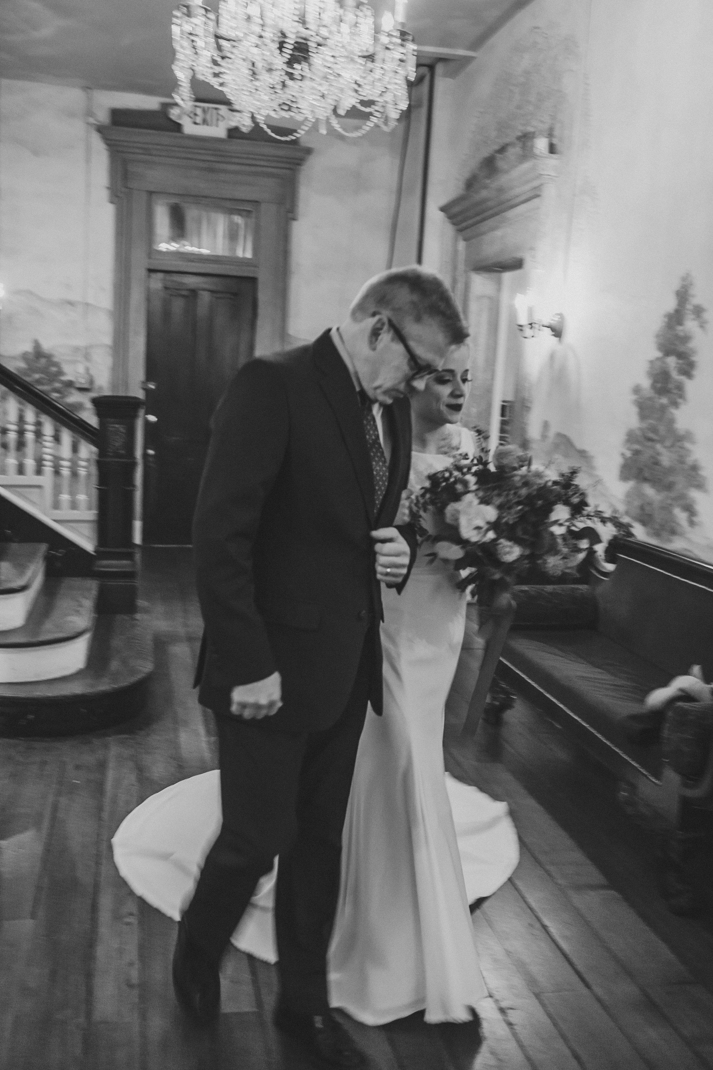 Charis_Lauren_Romantic_Wedding_Photographer_Nashville_0782.jpg