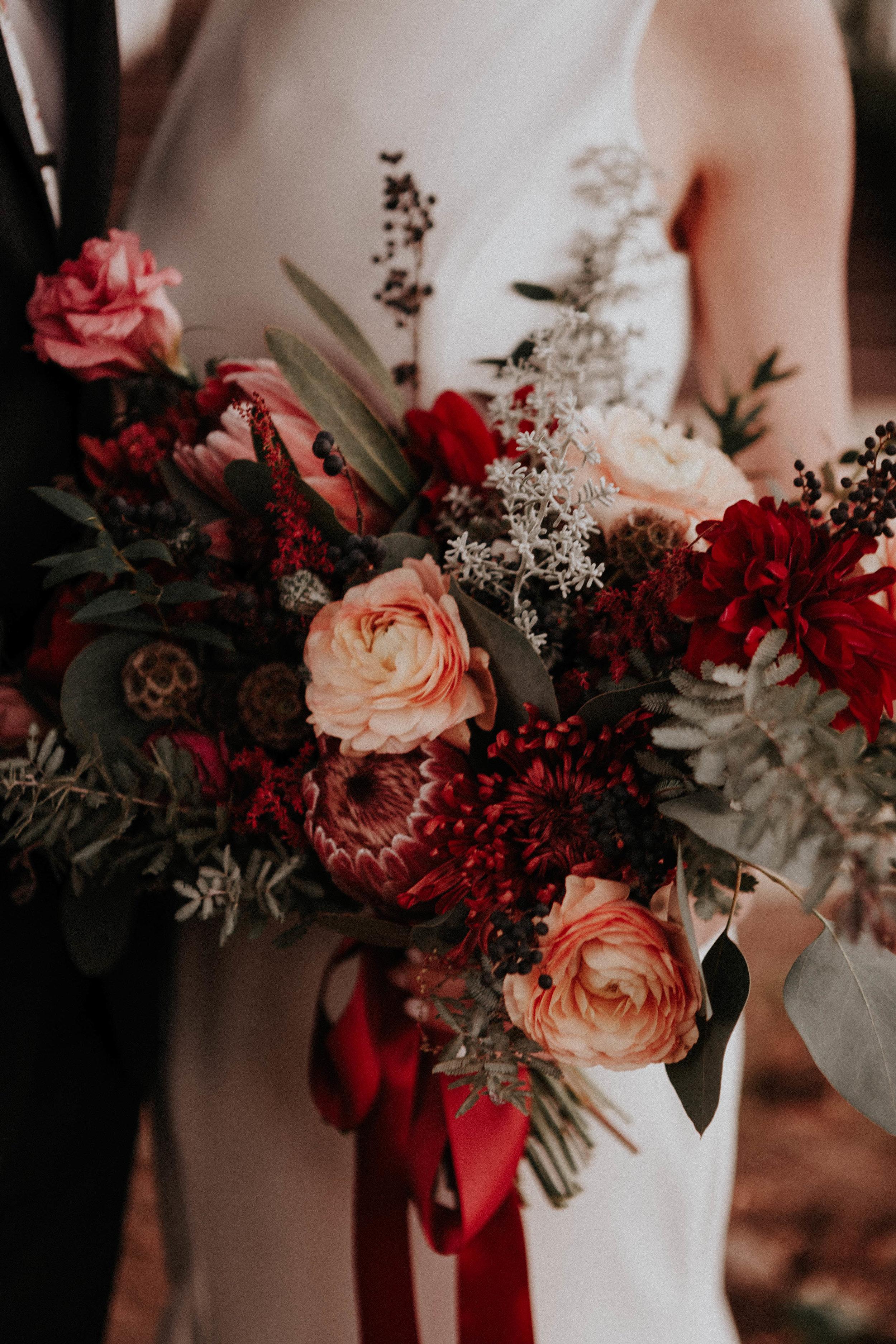Charis_Lauren_Romantic_Wedding_Photographer_Nashville_01018.jpg