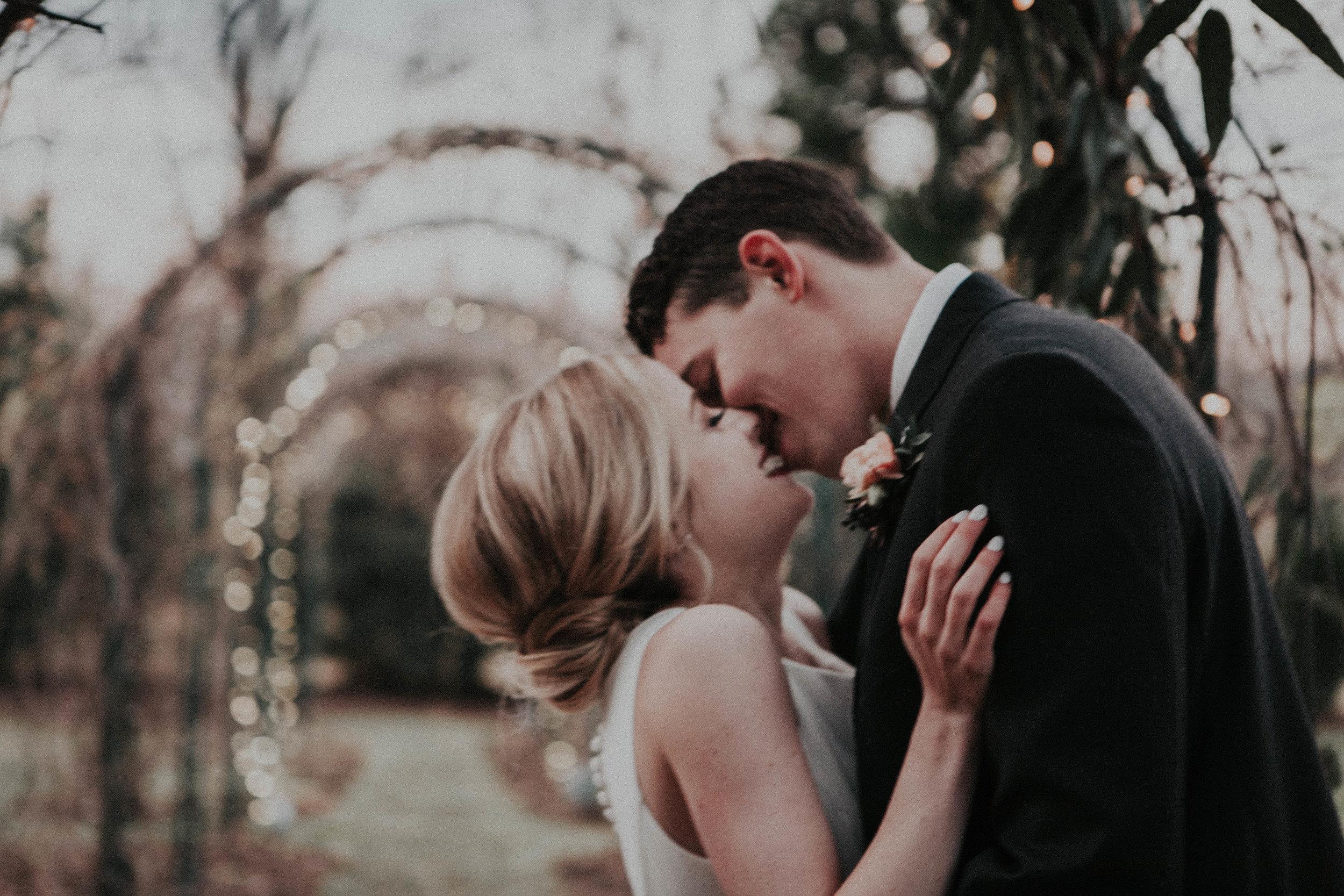 Charis_Lauren_Romantic_Wedding_Photographer_Nashville_01259-2.jpg