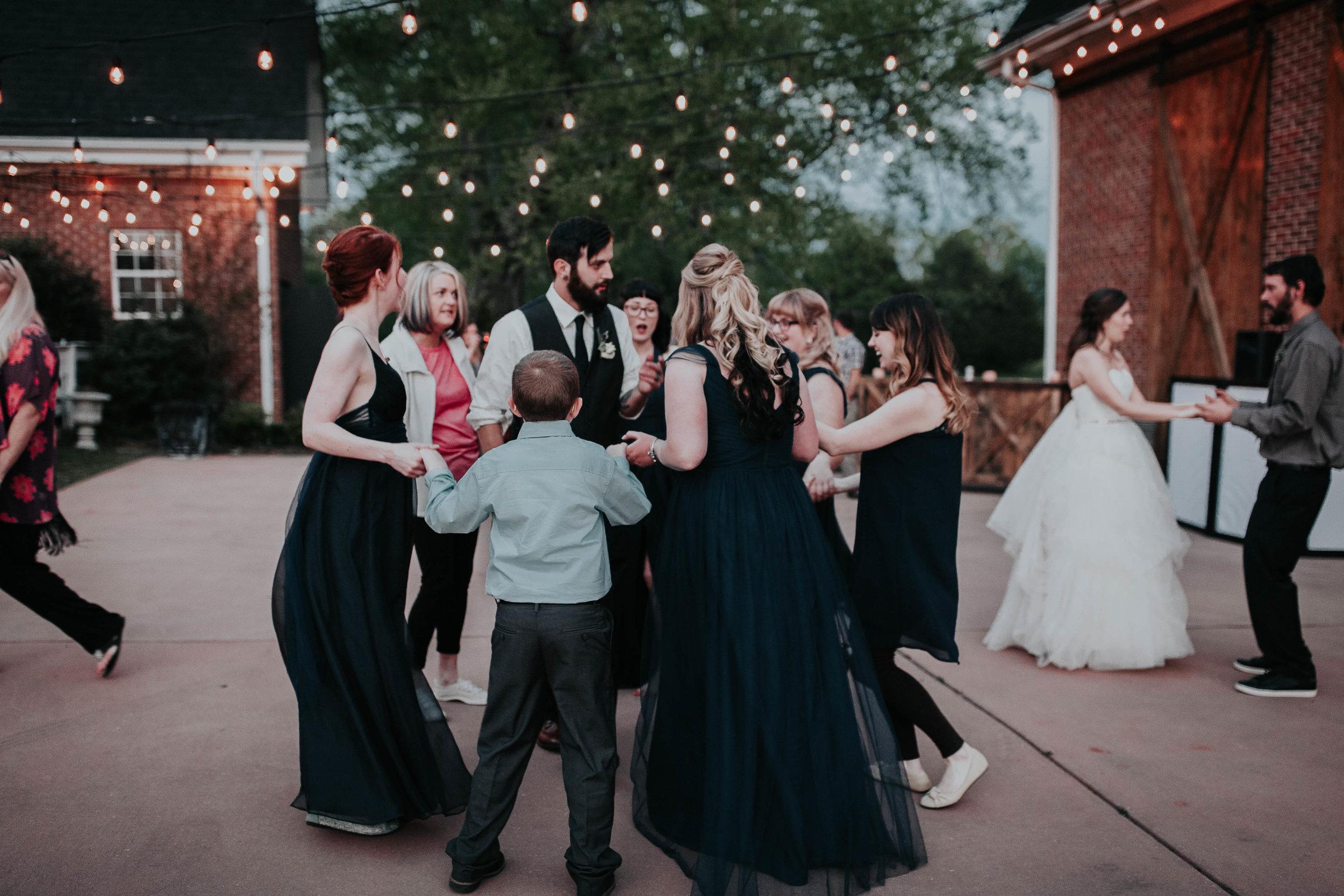 Adam_and_Hannah_Wedding_CharisLauren__5974.jpg