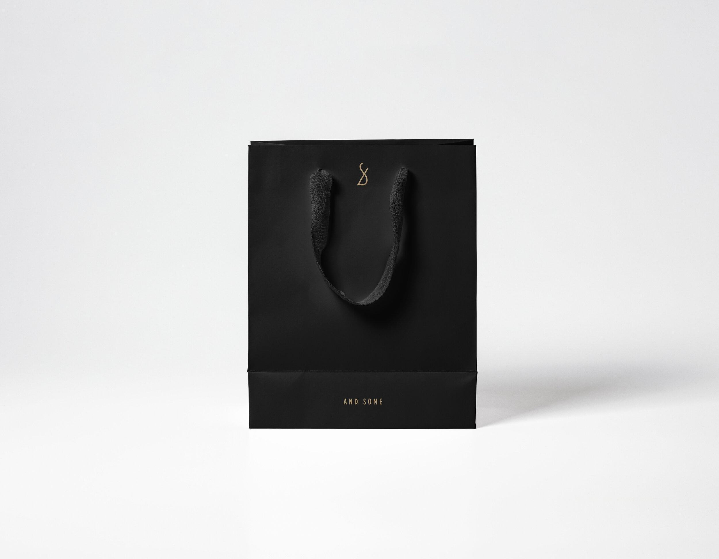 Shopping-Bag-Mockup-Vol5_Logo02.jpg