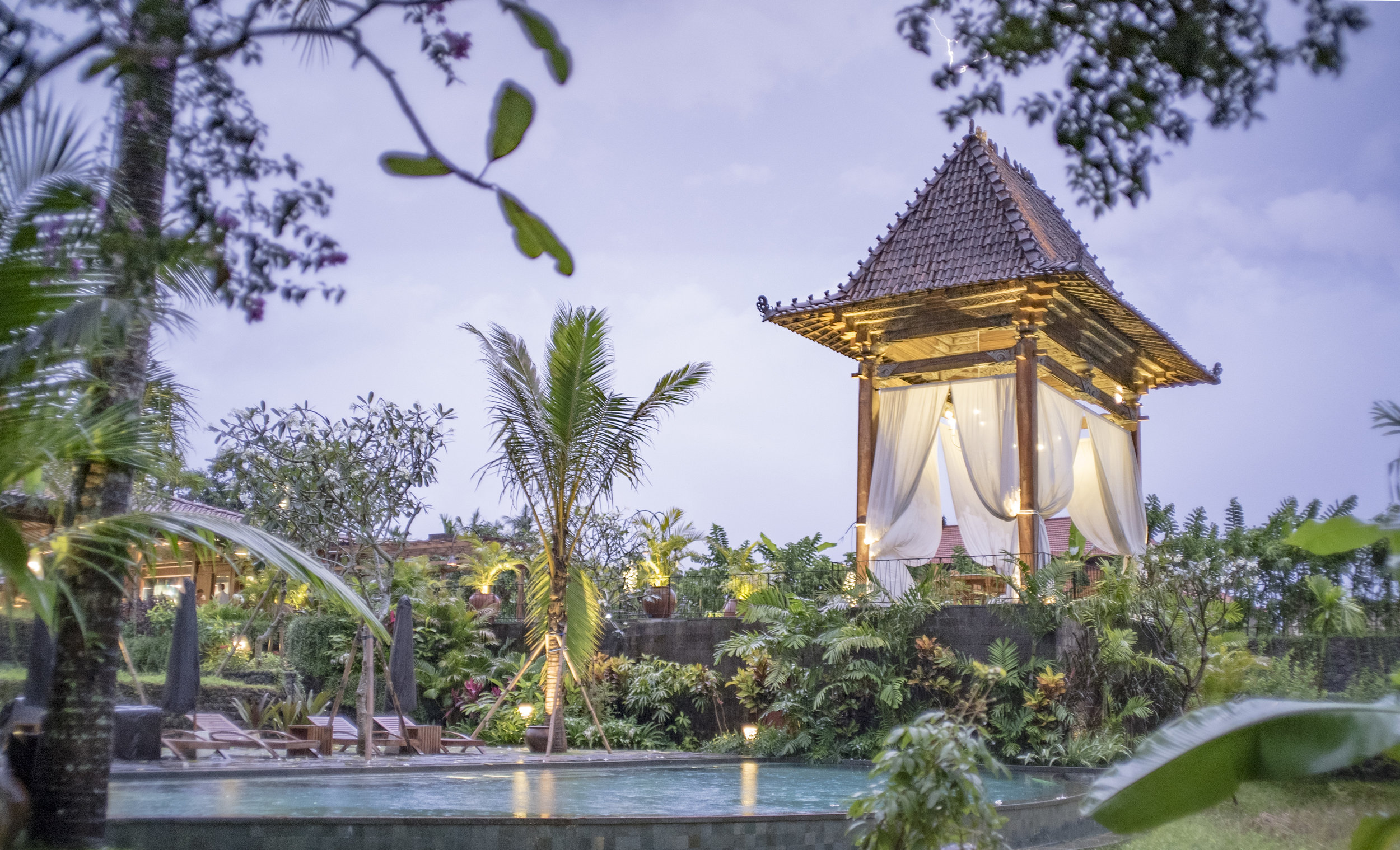 Bali Cabana Lightning.jpg