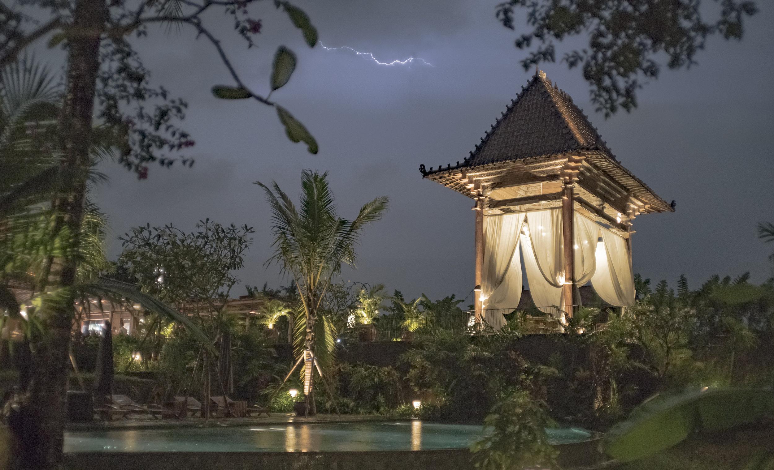 Bali Cabana Bolt.jpg