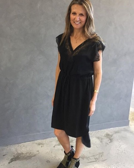 Little Black Dress.  And when our stockists could also be our models. ⠀⠀⠀⠀⠀⠀⠀⠀⠀ @deluxelorne ⠀⠀⠀⠀⠀⠀⠀⠀⠀ #currentlywearing #binnywear #mondaymotivation #nowinstore #wardrobestaples
