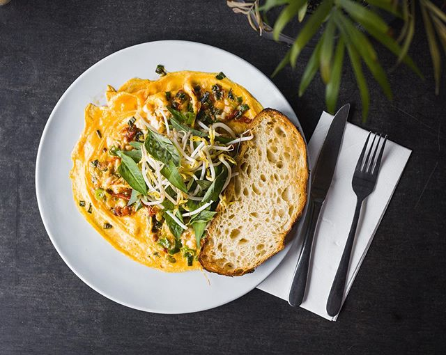 Living for the FILL of it. ✌🏼 Fuel yourself for the next large 'n in charge day with a Thai chilli crab omelette, bean sprouts & a sublime slab of sourdough. 🍳 🌶 #hobbawolfpack