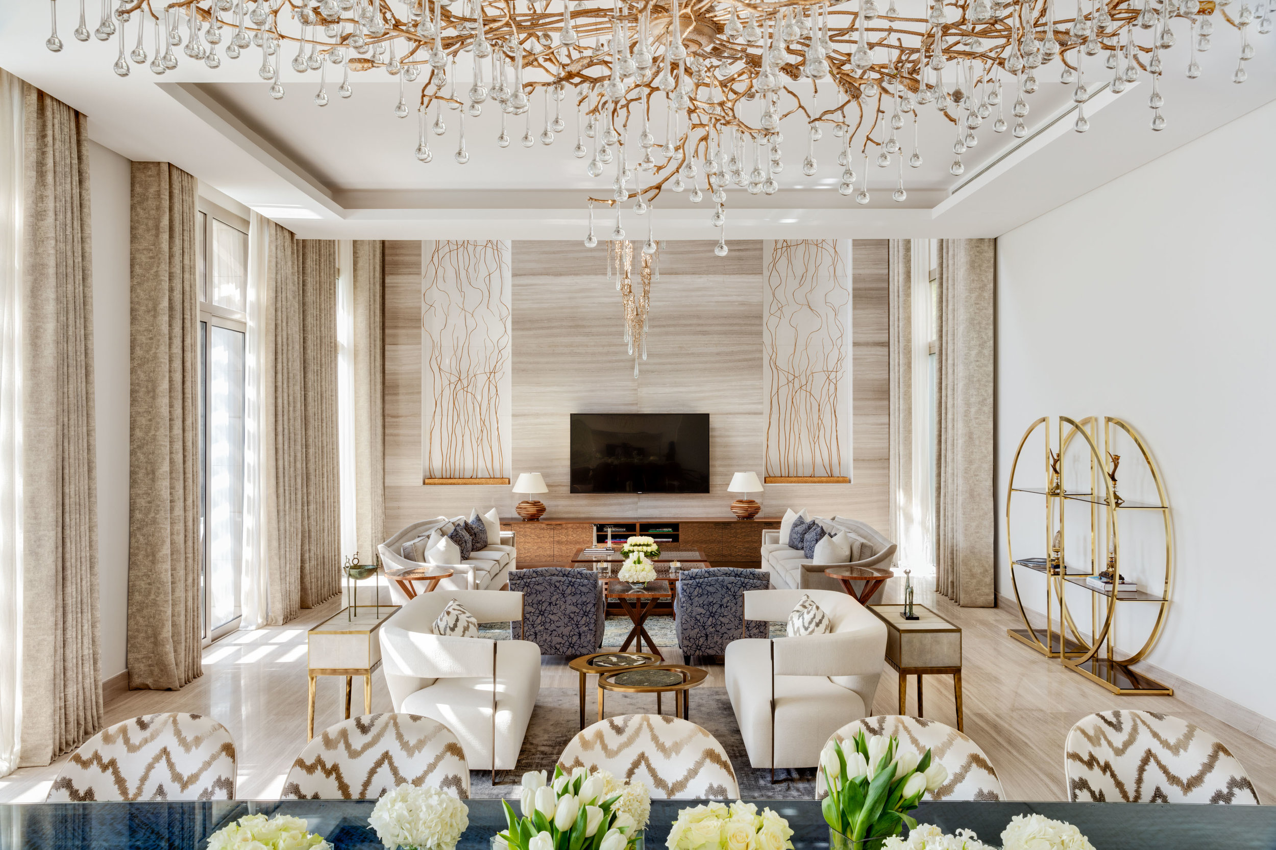 Family Salon - Middle East Villa