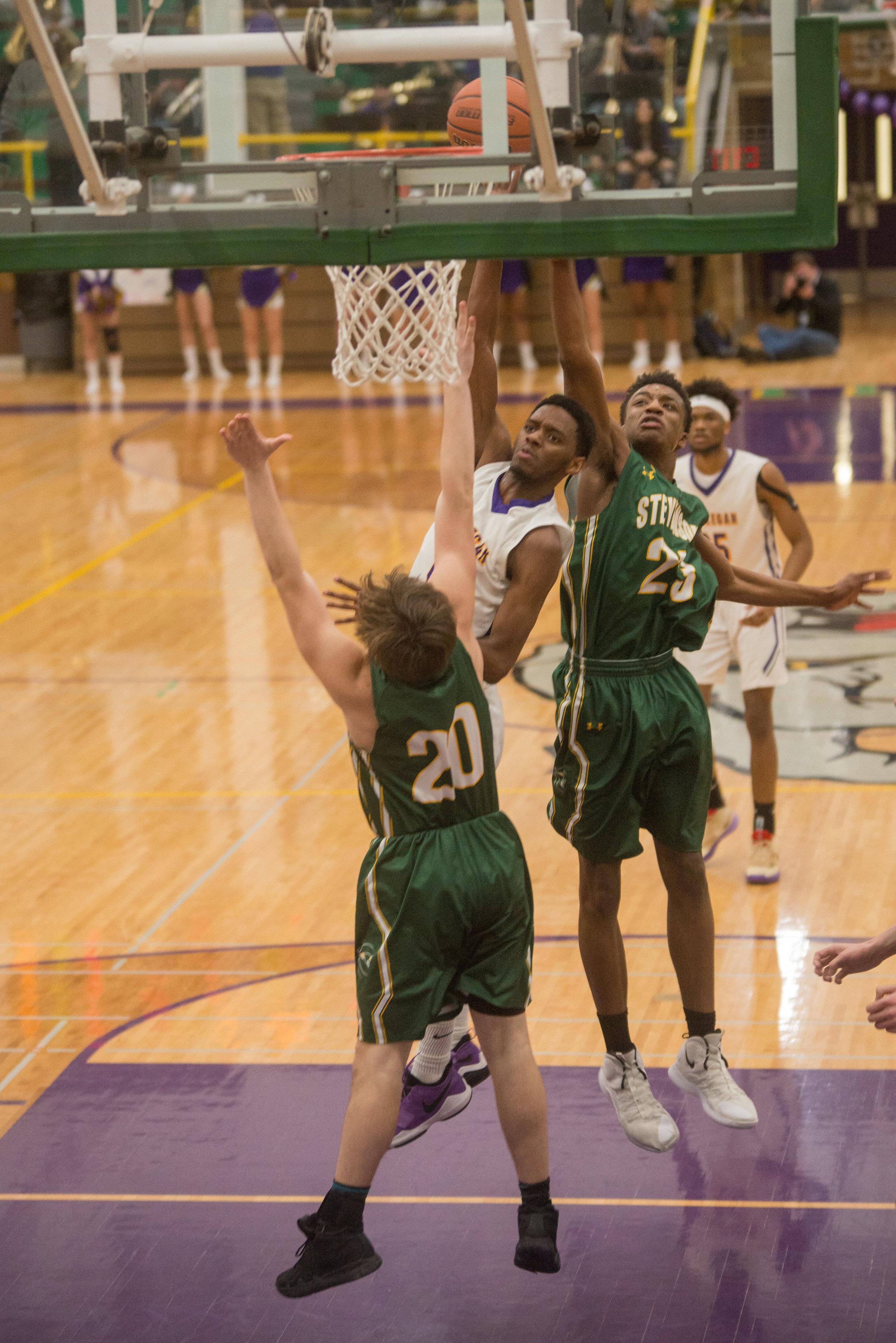 25-Jaylin-Cunningham-shoots-vs-Stevenson.jpg
